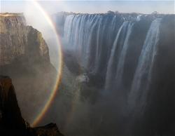 251A_LZmS_326568 Rainbows & Danger Point, Victoria Falls
