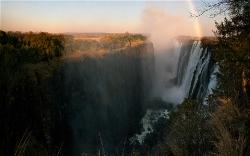 235A_LZmS_320507 Dawn Rainbow, Victoria Falls at Low Water