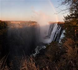 236A_LZmS_319599 Dawn Rainbow, Victoria Falls at Low Water